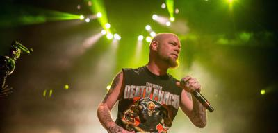 Five Finger Death Punch / Papa Roach